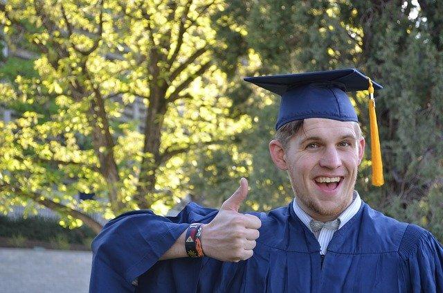 veselý absolvent.jpg
